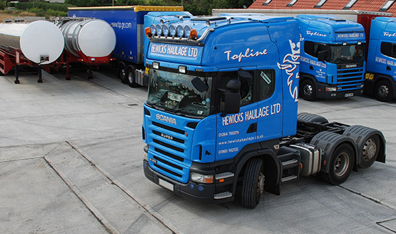 truck_in_yard